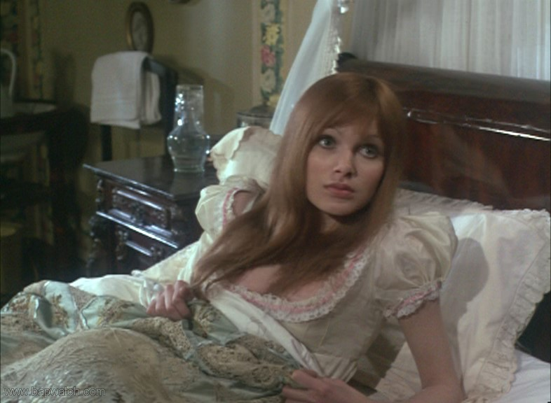 Ingrid pitt and madeline smith the vampire lovers 02 - 2 part 3