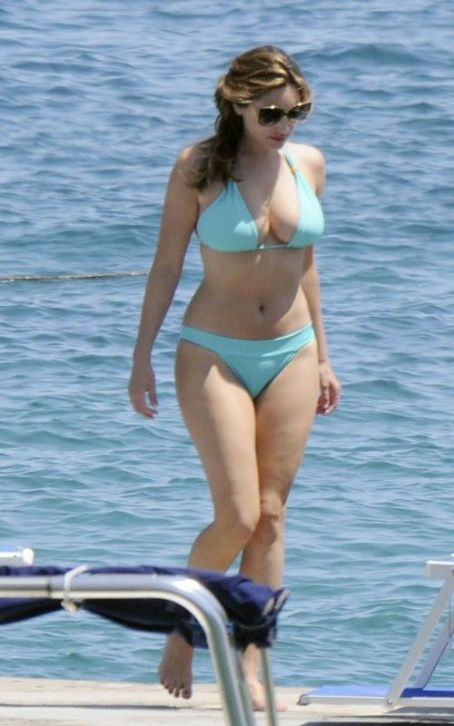 Kelly Brook enjoying her time in Italy