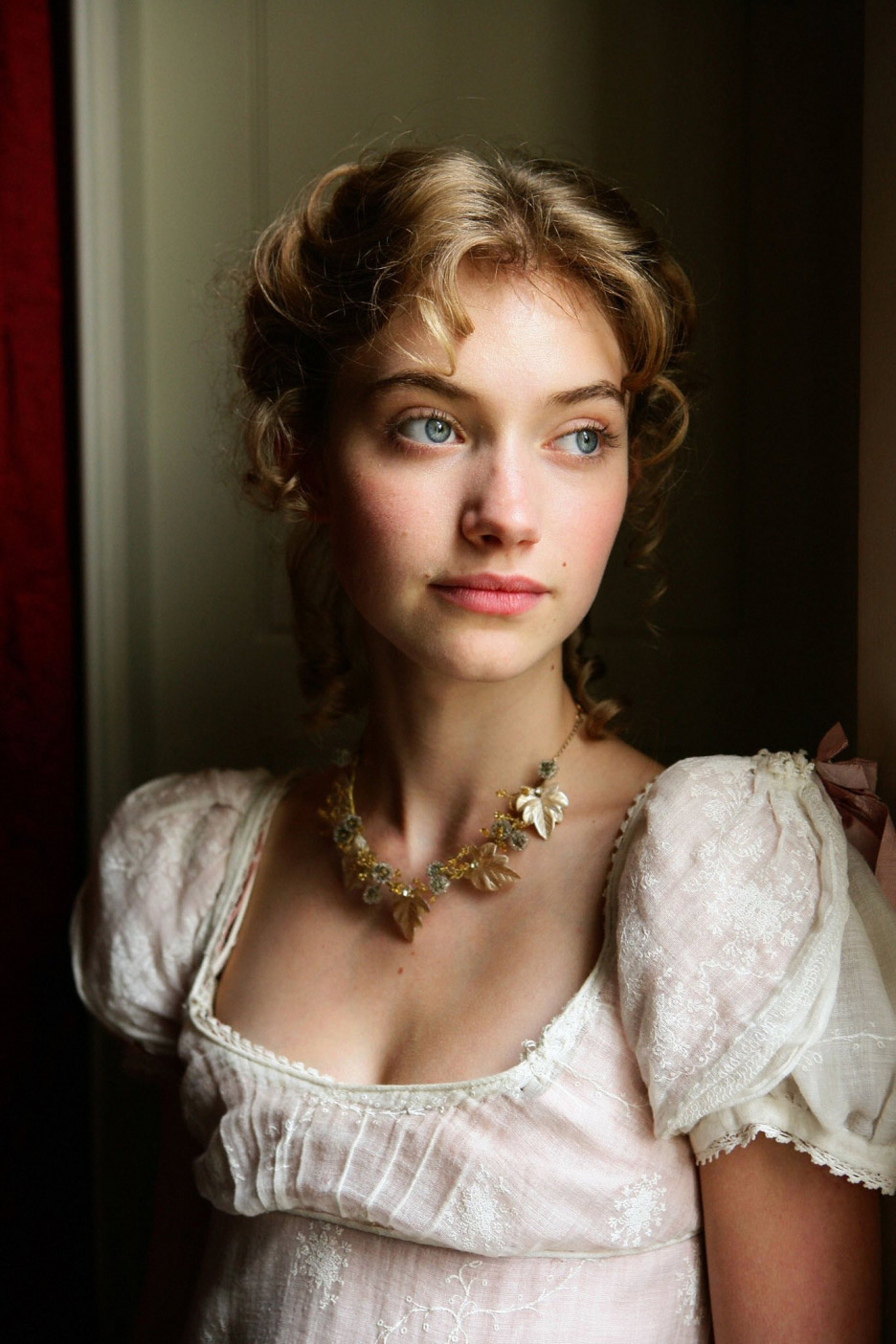 Imogen Poots in Beautiful Ruins