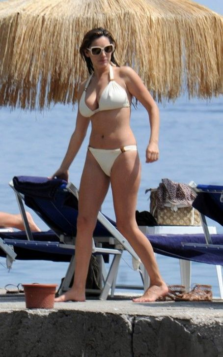 Kelly Brook looking great on Ischia in the Bay of Naples