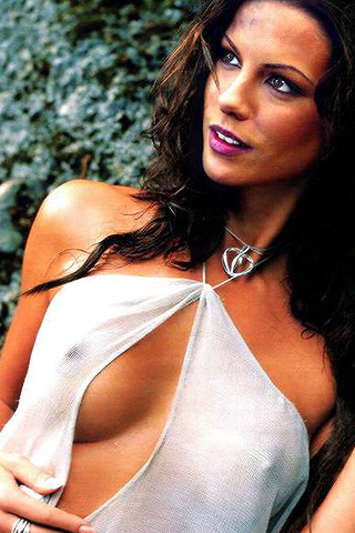 Kate Beckinsale, Sexy White Top