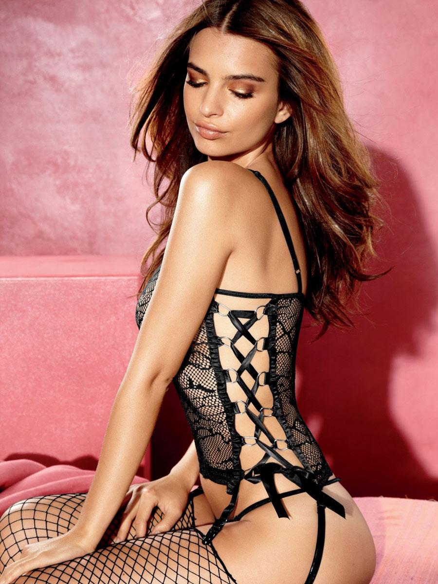 Emily Ratajkowski Sexy Underwear